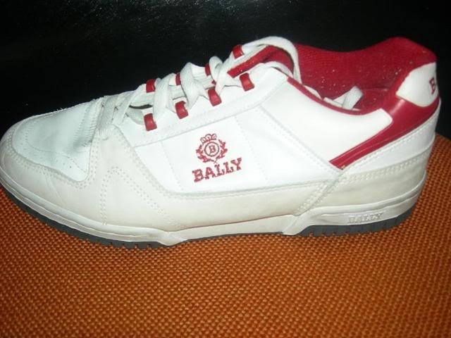 In l a we wearing chucks not ballys rgfrance translations for Portent french translation