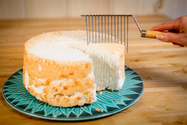 Angel Food Cake Cutter