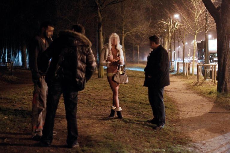 Photos de filles nues dans la Géorgie crête bleue