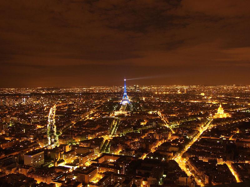 foto de La noirceur de la ville lumière Soixante quinze