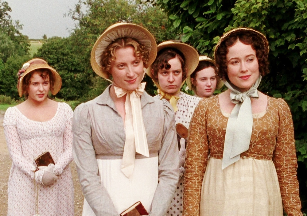 an analysis of the first chapter introduces of mr and mrs bennett 31 marriage of mr and mrs bennet   in this thesis, i have chosen three austen ´s novels for the analysis namely sense and sensibility, pride and  the very  first chapter of sense and sensibility does not only introduce us to the family.