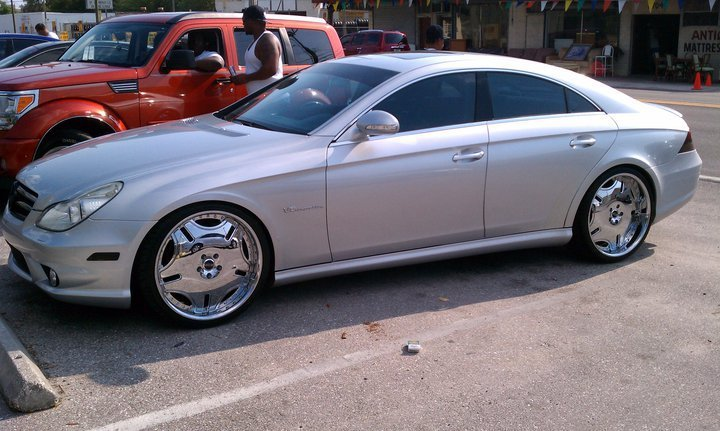 So much chrome on my mercedes benz get out the club for Mercedes benz lyrics