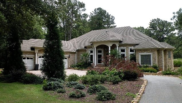 photo: house/residence of cool attractive talented  1.5 million earning Atlanta, Georgia, United States-resident