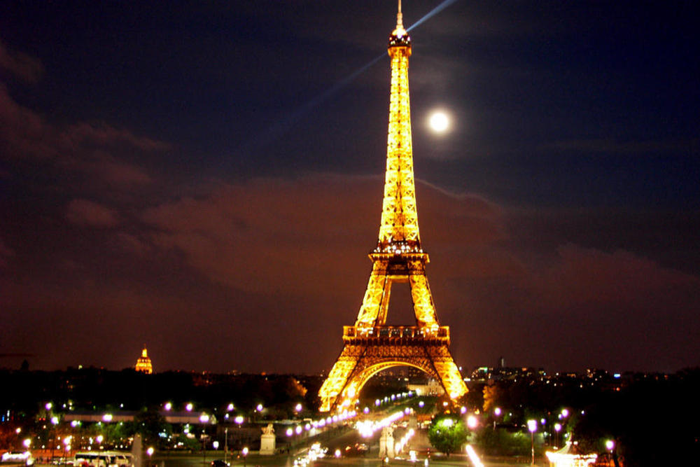 eiffel tower sexually