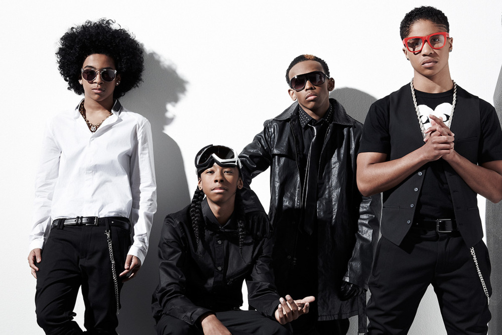 mindless behavior hook it up cover Listen and download mindless behavior kissing games mp3 - up to date free mindless behavior kissing games songs kissing games-mindless behavior (cover) mp3.