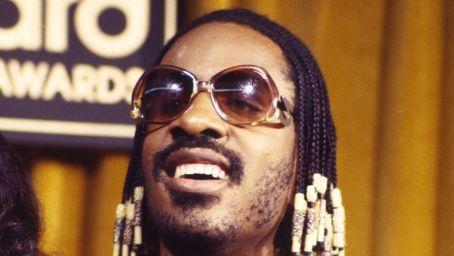 Stevie Wonder Without Sunglasses  similiar look how does stevie wonder without glasses on keywords