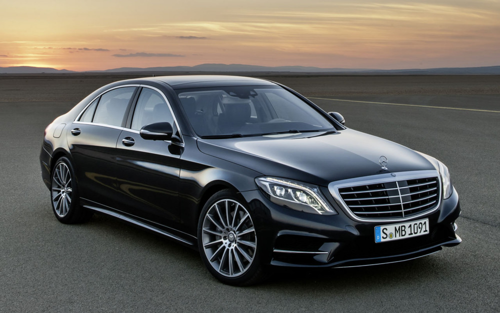 S-Class car - Color: Black  // Description: beautiful distinctive