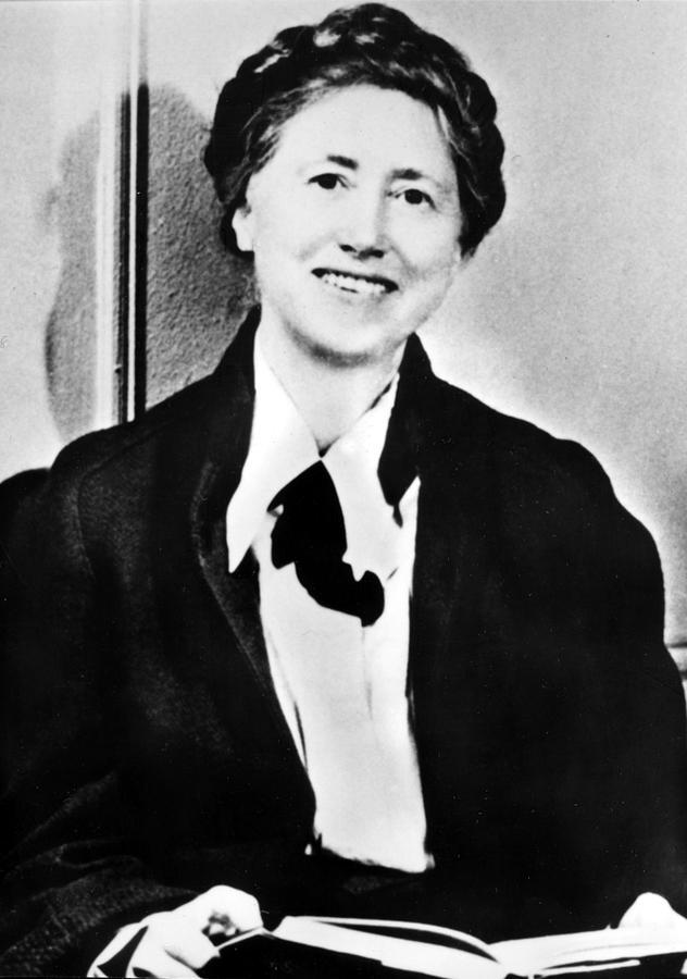 an outline of the works of poet marianne moore 67 quotes from marianne moore: 'your thorns are the best part of you', ' we do not admire what we cannot understand', and 'the deepest feeling always shows itself in silence'.
