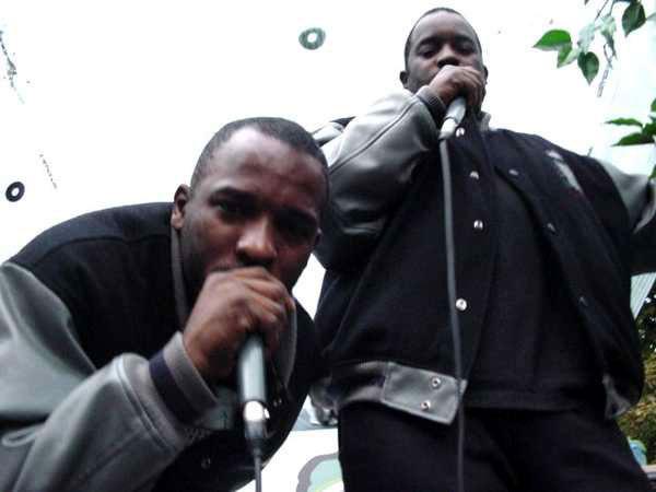 Skrillex - Ragga Bomb (Feat Ragga Twins) [Skrillex & Zomboy