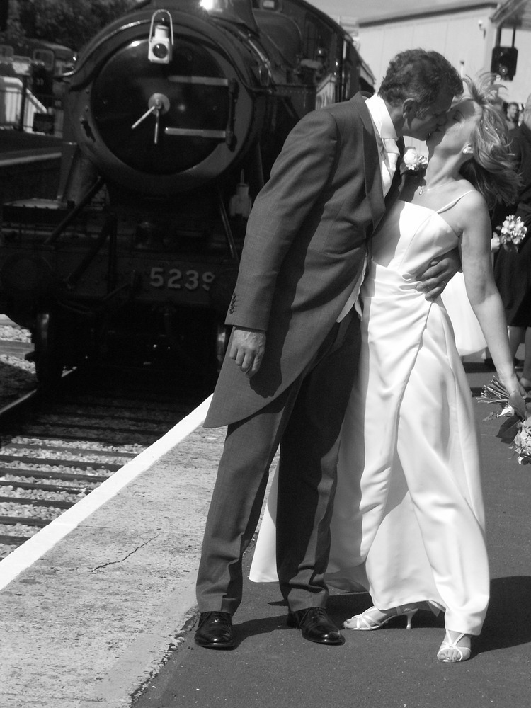 Eleanor Ainslies AS Literature Blog Whitsun Weddings
