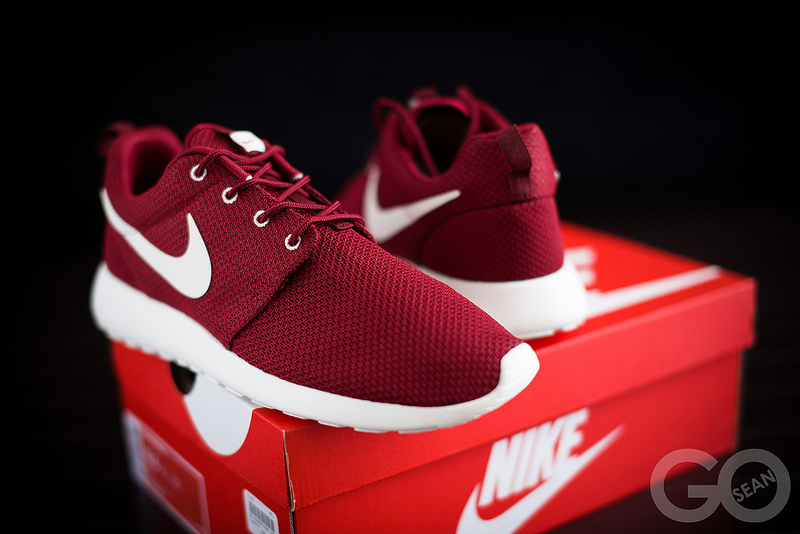 Roshe Exécuter Nike Voile Rouge