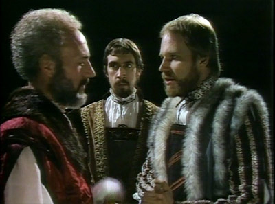 reactions to hamlet two scenes that With this short online quiz you'll have the opportunity to see how well you understood act 2 scene 2 of shakespeare's ''hamlet'' this is a great.