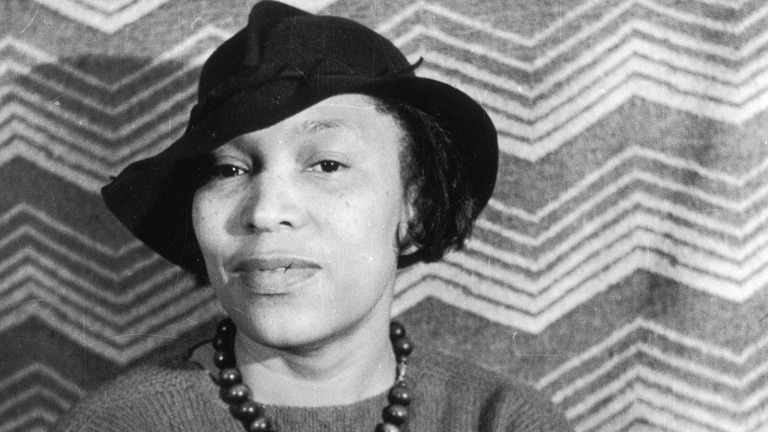 zora neale hurston how it feels to be colored me genius hurston s widely anthologized 1928 essay about her experience as a black american and as an individual who contains multitudes