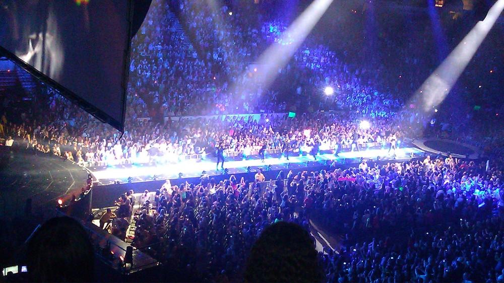Miley Cyrus Bangerz Tour Dates Lyrics Genius Lyrics