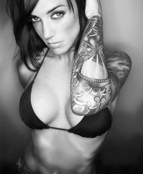 Hot girls with tattoos midget pic 34