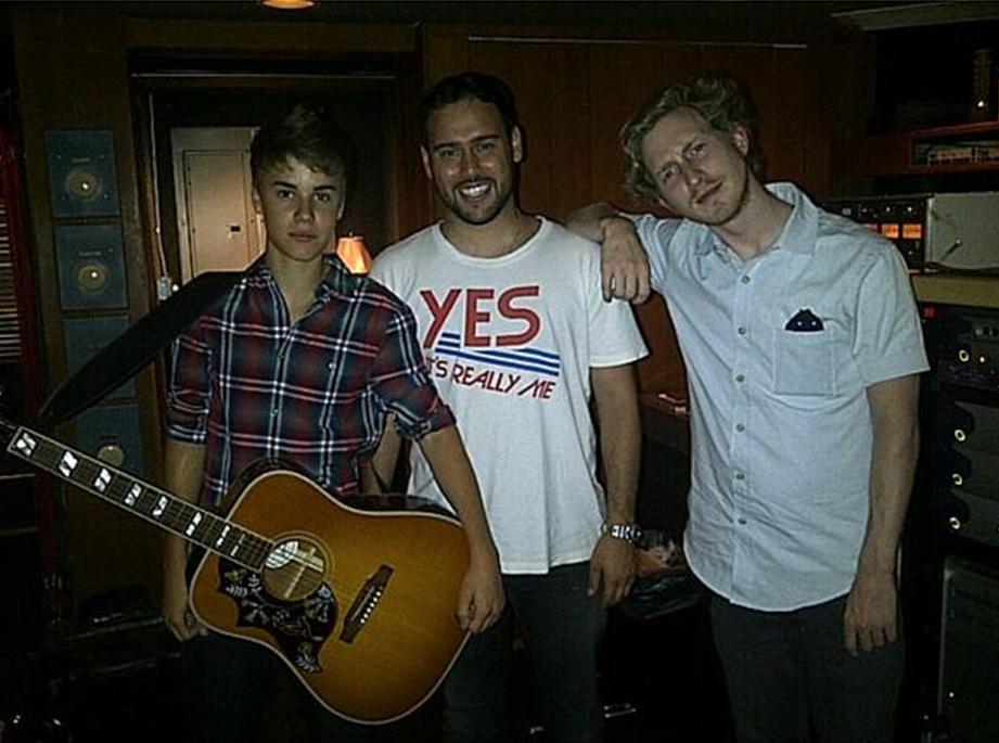Justin Bieber - Boyfriend (Remix) Lyrics Ft. 2 Chainz, Mac ...