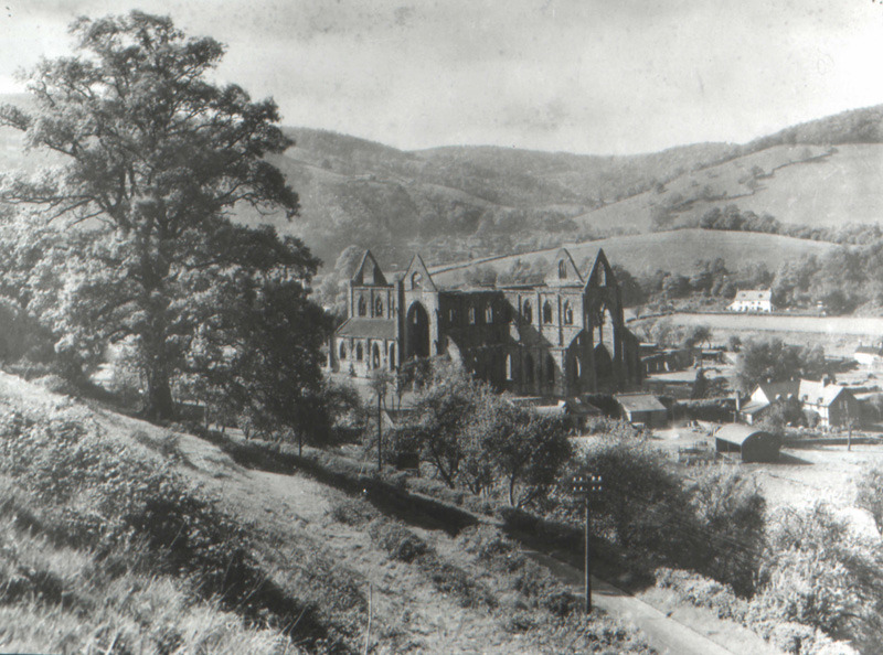 lines written above tintern abbey